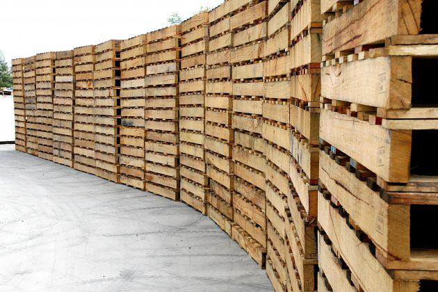 mur de palettes européennes